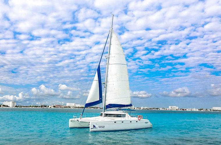 Cancún Sailing