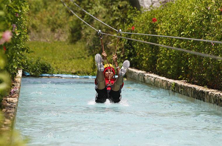 Zipline Mega Splash